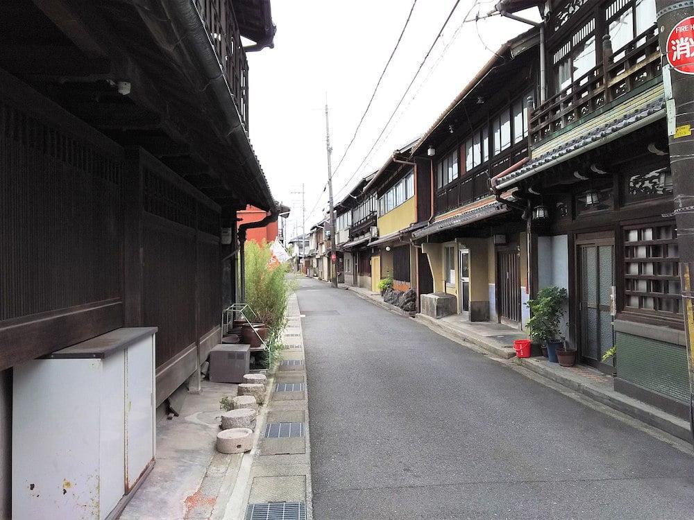 京都府八幡市